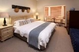 ROOM 3 - Sea & Mountain View Suite (Upstairs) in the Lavender Manor Guest Lodge accommodation in Hermanus